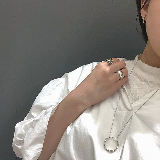Statement necklaceの写真
